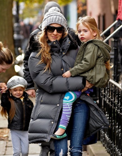 Sarah Jessica Parker's daughter, Marion Loretta wearing her Moon Colorblock Luna Leggings!