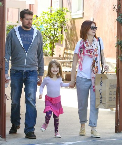 Satyana Denisoff (Alyson Hannigan's daughter) in Luna Leggings!